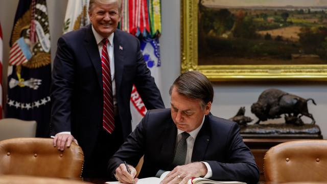 Brasil e EUA se comprometem a reduzir barreiras comerciais