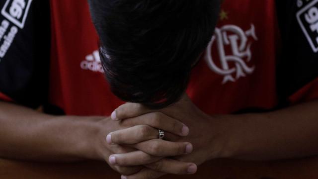 Atleta do Flamengo que sofreu queimaduras é transferido de hospital