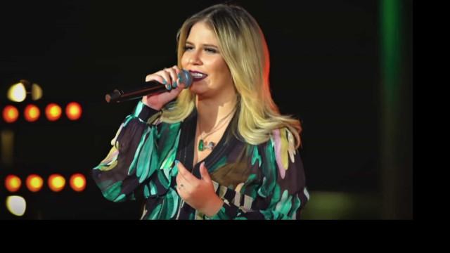 Marília Mendonça comemora quilinhos a menos: 'Vesti uma saia 40'