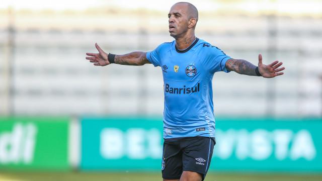 Tardelli desencanta com golaço, e Grêmio goleia Juventude por 6 a 0