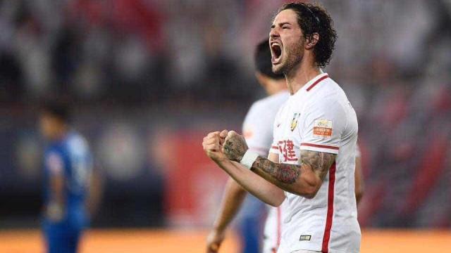 São Paulo quer contratar Pato pagando um 1/3 do que ganhava na China