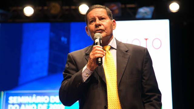 A empresários, Mourão prega diálogo e pede 'confiança'