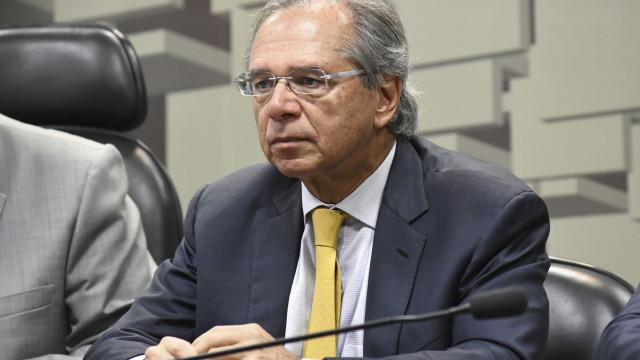 Guedes diz que fica no cargo se presidente e Congresso apoiarem agenda
