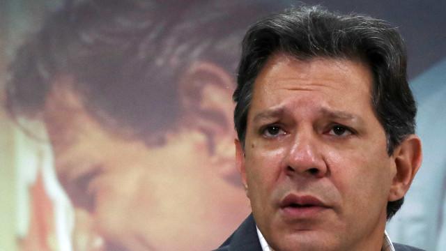 Haddad é multado por impulsionar conteúdos contra Bolsonaro na web