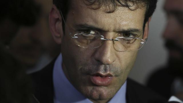 Tirando a Folha e a Globo, está tudo bem, diz ministro do Turismo