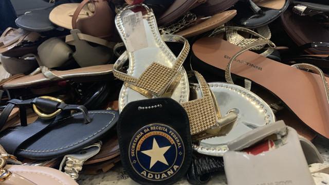 Cães da Receita acham cocaína em 287 pares de sapatos em Guarulhos