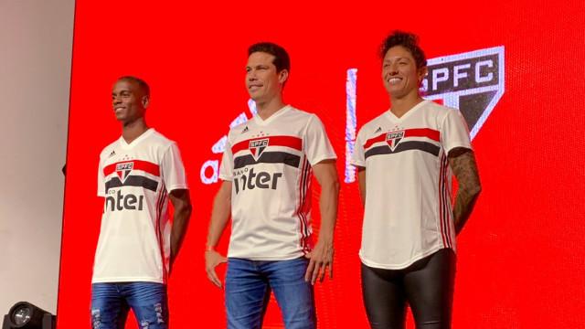 São Paulo apresenta nova camisa e estreia será contra o Palmeiras
