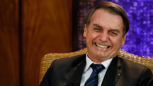 À espera de Bolsonaro, ruas de Jerusalém ostentam bandeiras do Brasil