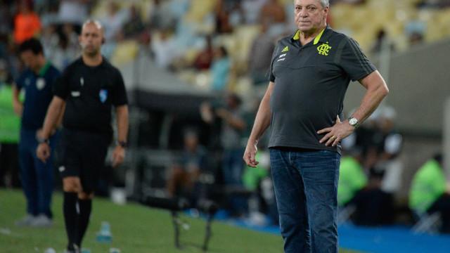 Abel Braga tem alta e promete comandar o Flamengo na quarta-feira
