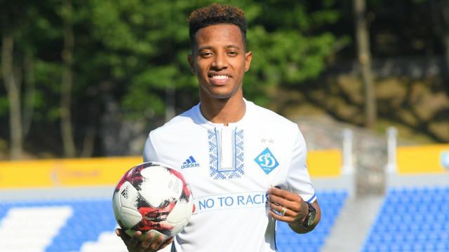 Tchê Tchê acerta com o São Paulo e assinará contrato de 4 anos