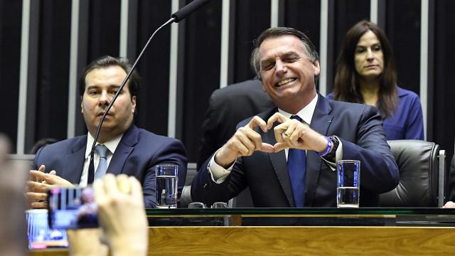 Trégua entre Bolsonaro e Maia é vista com descrédito no Congresso