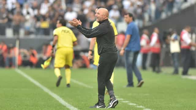 Sampaoli reprova atuação do Santos: 'O Corinthians jogou como quis'