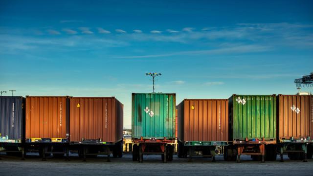 Governo prevê superávit de US$ 50,1 bi na balança comercial em 2019