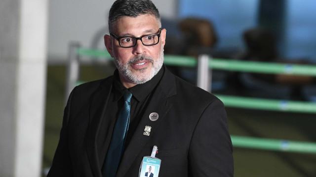 Empresária tenta bloquear salário de Frota por calote em evento gay