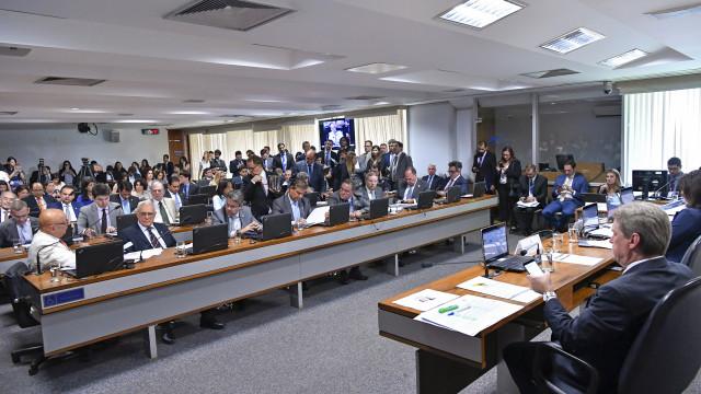 CCJ aprova PEC do Orçamento Impositivo com obrigatoriedade de emenda