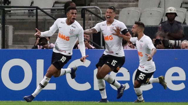 Timão tem Cássio expulso e perde com gol de Roger na Copa do Brasil