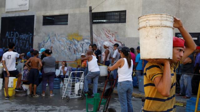 Venezuela está sob 'emergência humanitária complexa', diz ONG