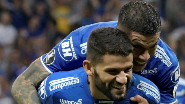 Atlético-MG e Cruzeiro vencem, Fla e Inter tropeçam na Libertadores