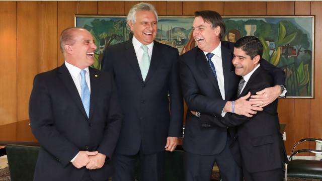 Bolsonaro diz que 'nada se falou sobre cargos' em reunião com partidos