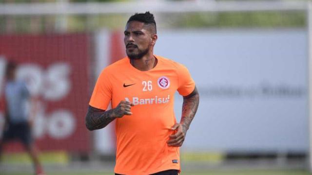 Guerrero treina entre os titulares e deve estrear pelo Inter no sábado