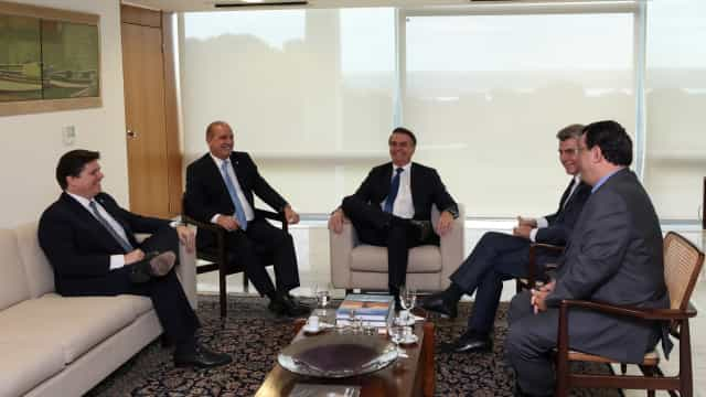 Bolsonaro se desculpa por termo 'velha política'