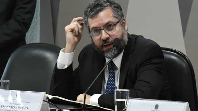 Relação do Brasil com EUA não afetará comércio com China, diz Araújo