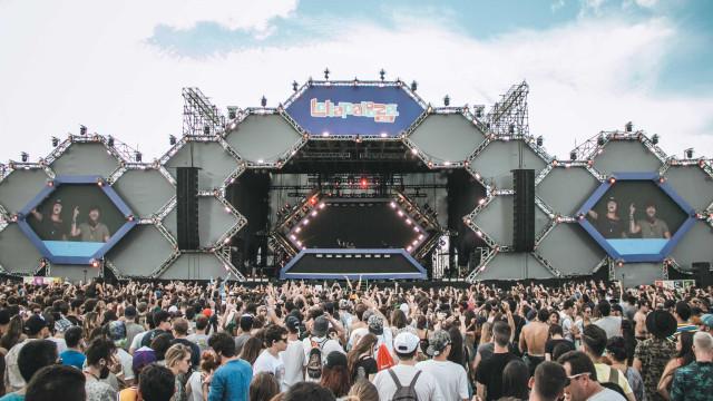 Público do Lollapalooza faz coro contra Bolsonaro; veja