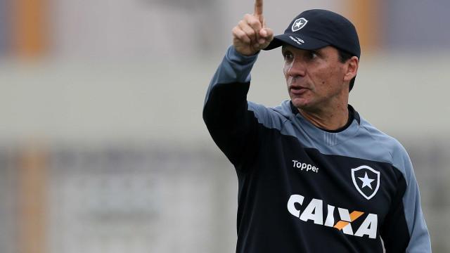 Pressionado, Zé Ricardo vê demissão em pauta pela 1ª vez no Botafogo