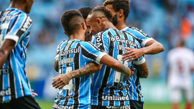 Grêmio bate São Luiz-RS e confirma Gre-Nal em final no RS