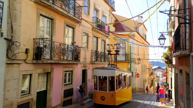 Edital do consulado brasileiro em Lisboa é cancelado após denúncias