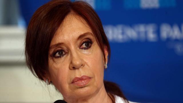 Supremo mantém ordem de prisão contra Cristina Kirchner