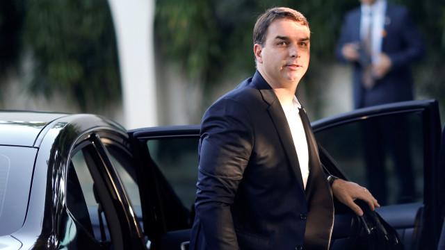 MP vê indícios de lavagem de dinheiro de Flávio com 19 imóveis