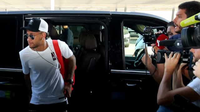 Investigado, Neymar apaga vídeo em que exibe imagens de mulher nua