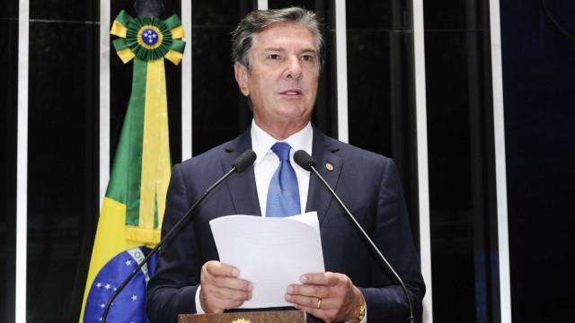 Justiça cancela concessão de rádios e TV ligados a Collor