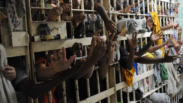Rio registra três relatos de tortura a presos por dia