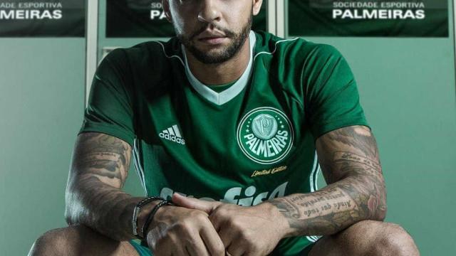Felipe Melo rebate torcida do Santos: 'Não enche estádio'