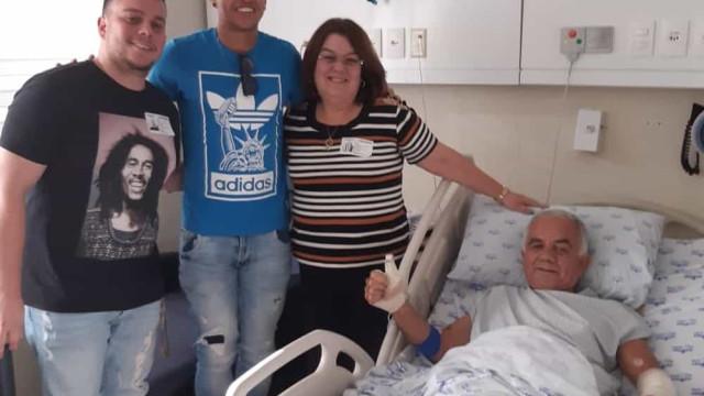 Ralf faz visita a idoso atropelado e ajuda em transferência hospitalar