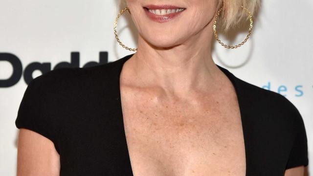 Sharon Stone em produção sensual aos 61 anos