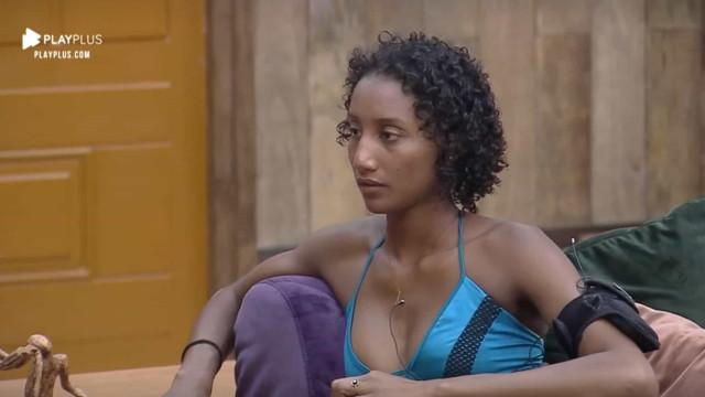 'Não é tristeza, é raiva', desabafa Sabrina Paiva sobre caso de racismo