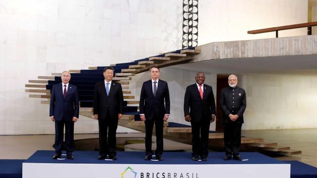 BRICS: Líderes tiram foto oficial e seguem para sessão fechada