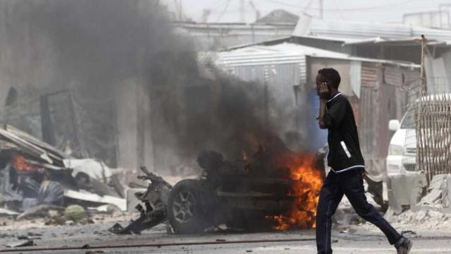 Extremistas islâmicos atacam base militar em Burkina Faso