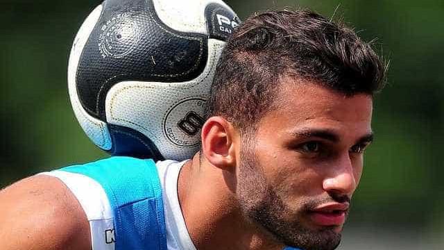 Flamengo oficializa contratação do volante Thiago Maia, ex-Santos