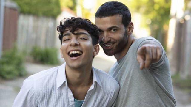 Série é banida de 11 países após representar refugiado gay