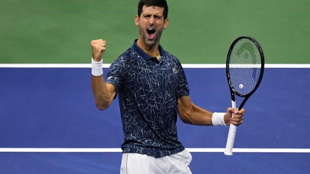 Djokovic vence Federer e avança à oitava final no Aberto da Austrália