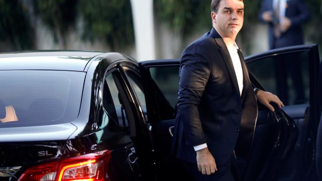 Flávio visitava Adriano na cadeia, diz ex-companheiro de miliciano