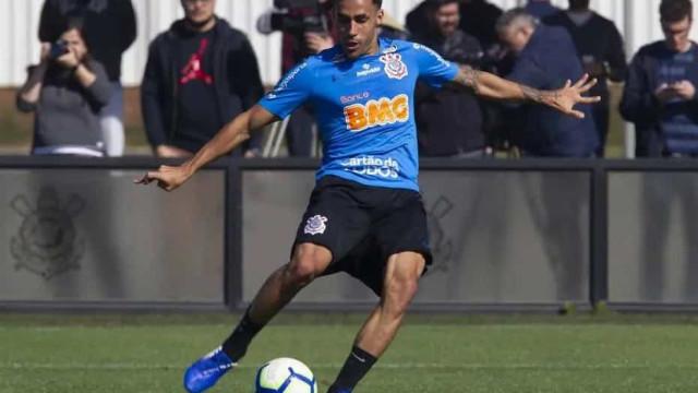 Gabriel reconhece que Corinthians está em 'colocação que não é digna'