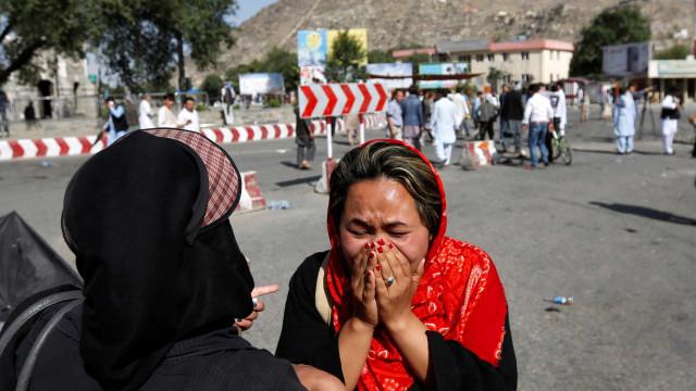 Pelo menos 27 mortos e 55 feridos em tiroteio na capital do Afeganistão