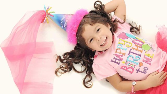 Crianças comemoram aniversários com minifestas ou por vídeo