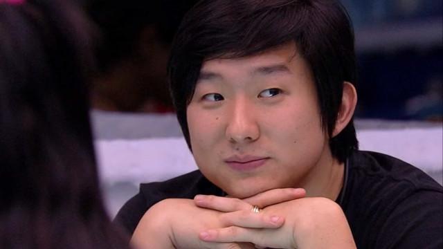 Pyong diz que foi perdoado por esposa e é ameaçado por fã de Prior