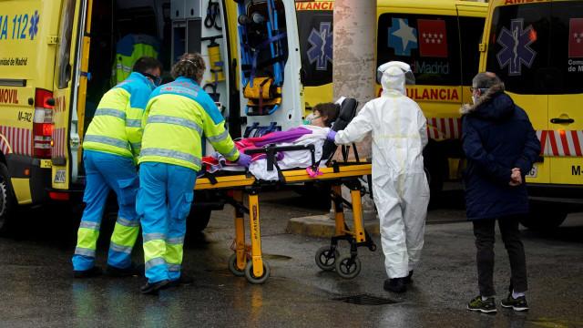 Casos confirmados de coronavírus na Espanha passam de 100 mil
